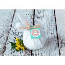 Fürdőgolyó organikus kecsketejjel, shea vajjal és körömvirággal Ylang és édes narancs illattal 90g
