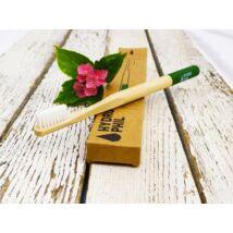 Fogkefe bambusz Hydrophil közepes sörtével, felnőtt méretben, zöld nyéllel