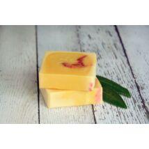 Napvirág doboz - választott termék: Natúr szappan - Narancs, édes narancs illóolajjal és friss narancslével 120g