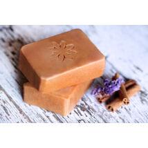 Napvirág doboz - választott termék: Natúr szappan - Édes napsugár, mézzel és fahéjjal 120g