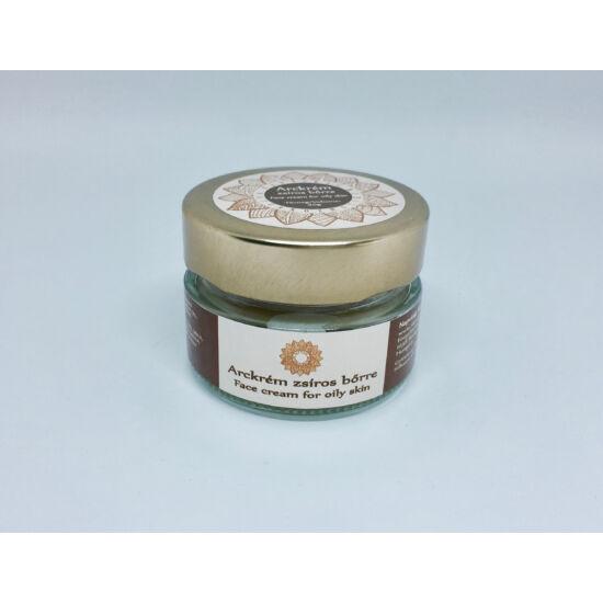 Arckrém zsíros bőrre jojoba olajjal, varázsmogyoró kivonattal, E és B vitaminokkal 30g